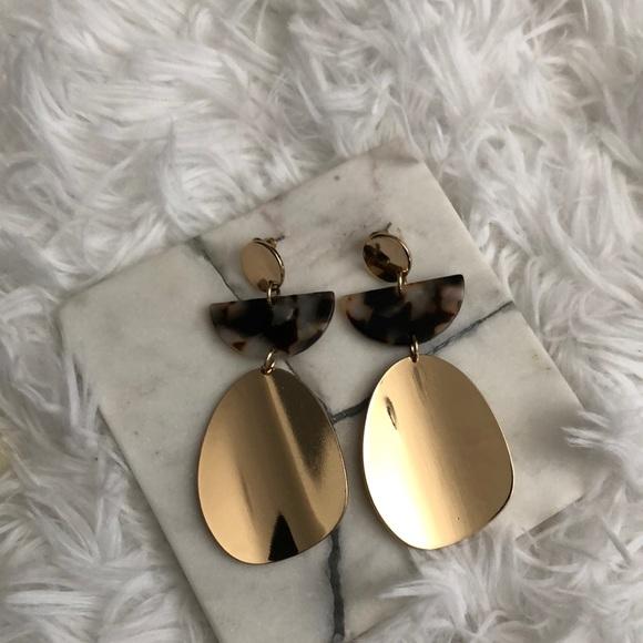 Gold and tortoiseshell dangle earrings